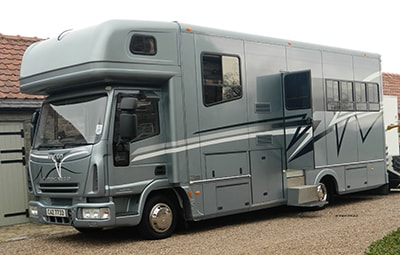 Pawn loan for horsebox or trailer fast cask loan secured by horsebox or wagon